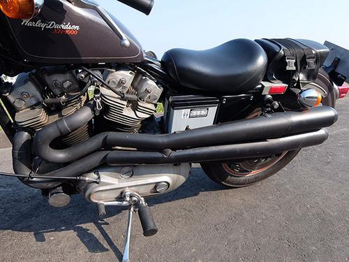 ハーレーXR1000の直管マフラー.jpg